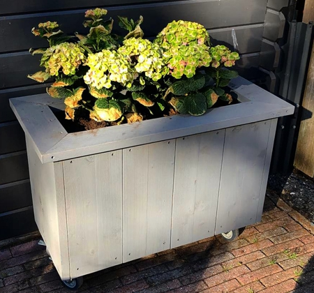 Steigerhouten plantenbak Waddinxveen   Klusbedrijf Gouda