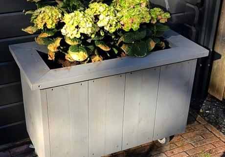 Steigerhouten plantenbak Waddinxveen | Klusbedrijf Gouda